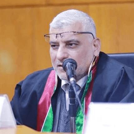 د. أحـمـد حـسين المـشهراوي مشرفا على قسم الإدارة والمحاسبة