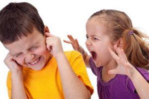 السلوك العدواني عند الاطفال : أسبابها وعلاجها وطرق التعامل معها
